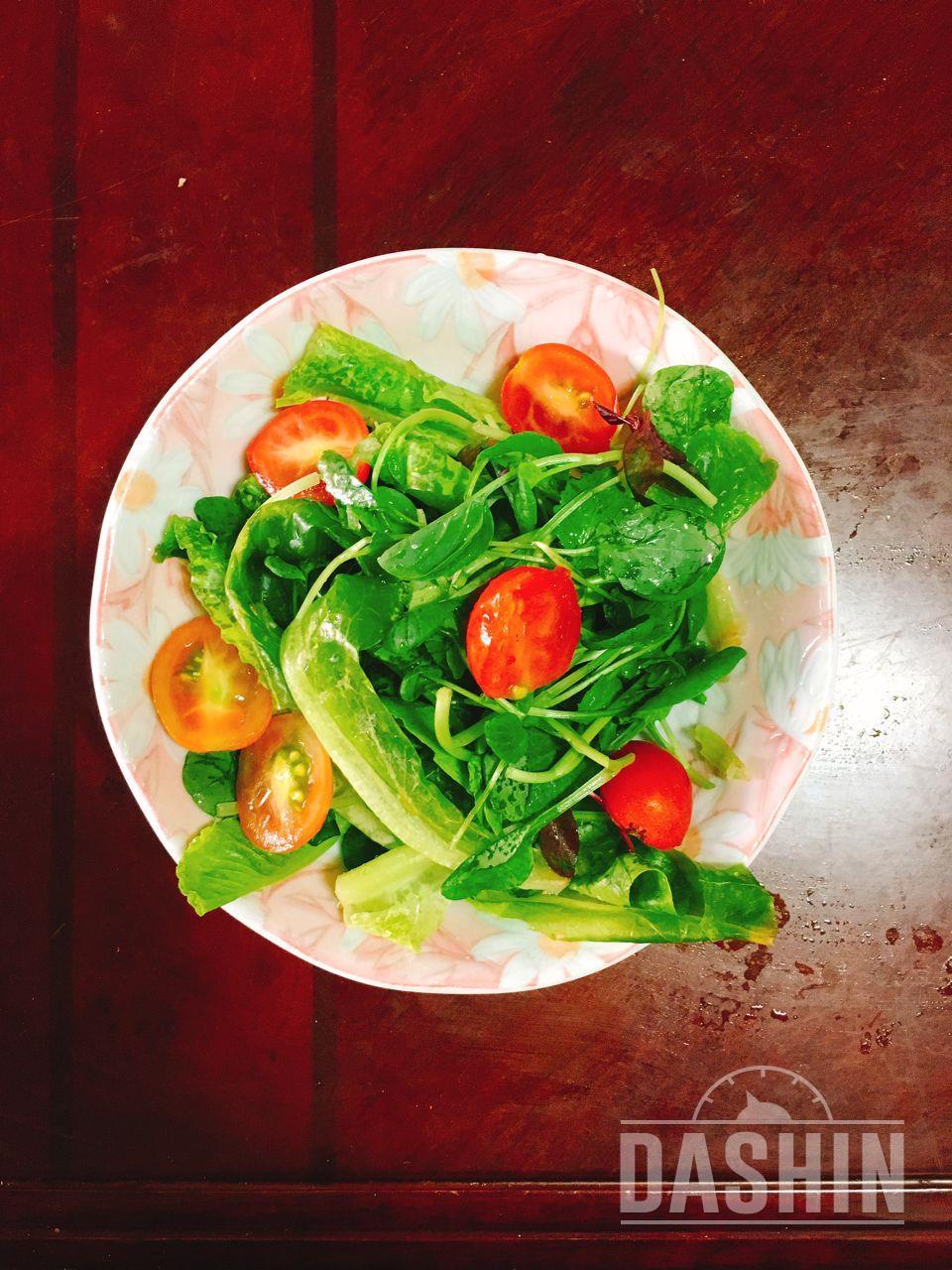 더라이트 / 버섯프리타타와 그린 샐러드