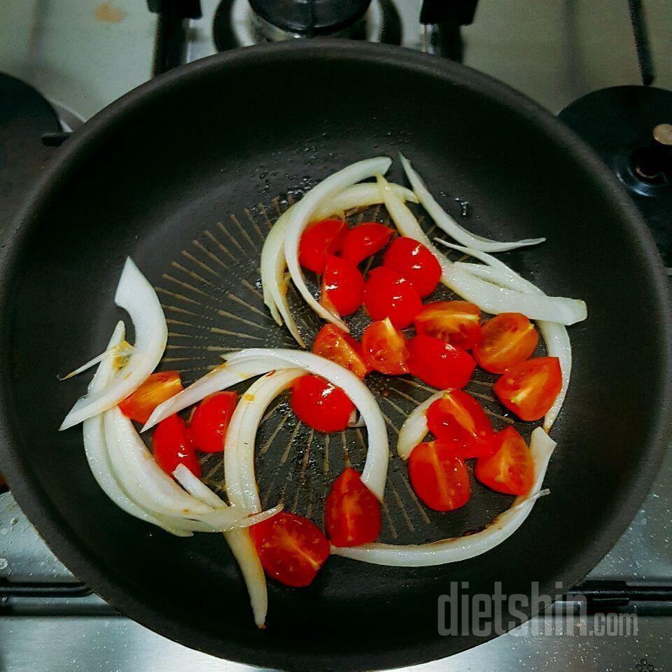 버섯면 매콤 토마토파스타