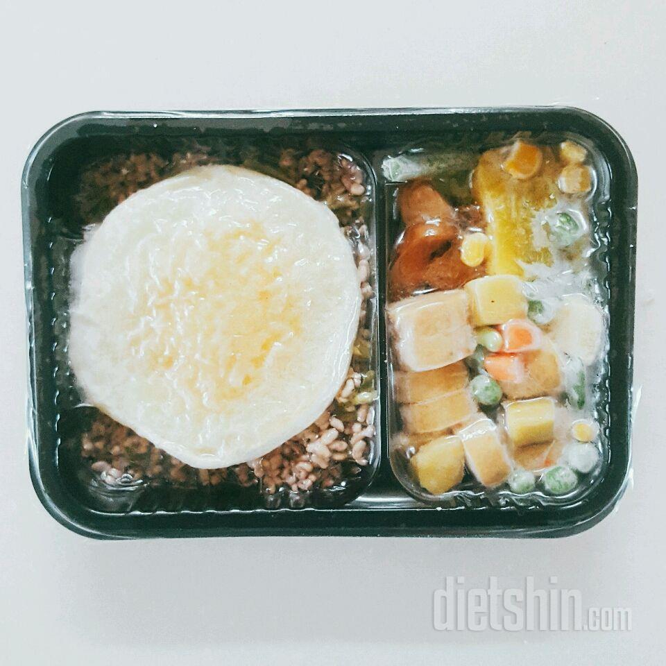 1. 브로콜리 야채 현미밥 with 매콤어니언 닭가슴살 소시지