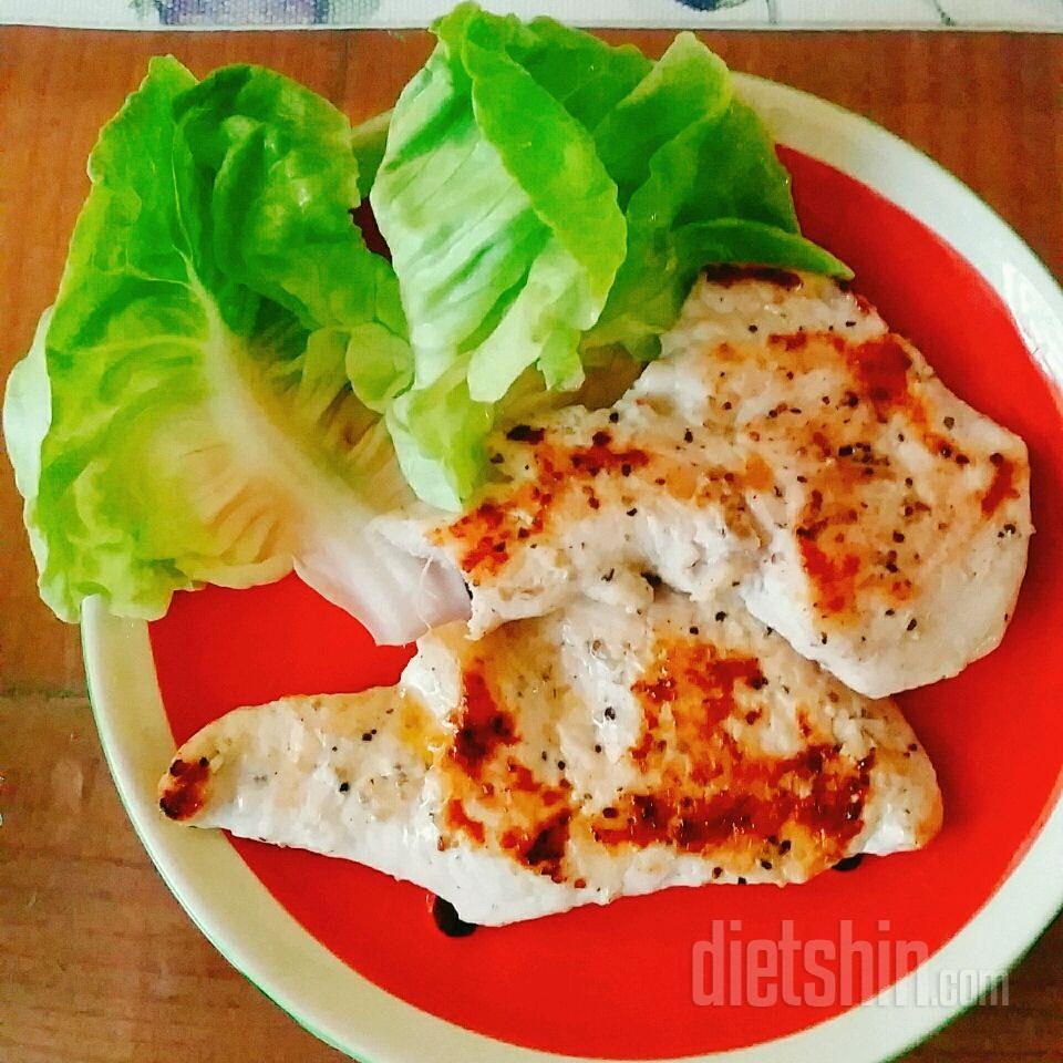 닭가슴살 스테이크로 점심