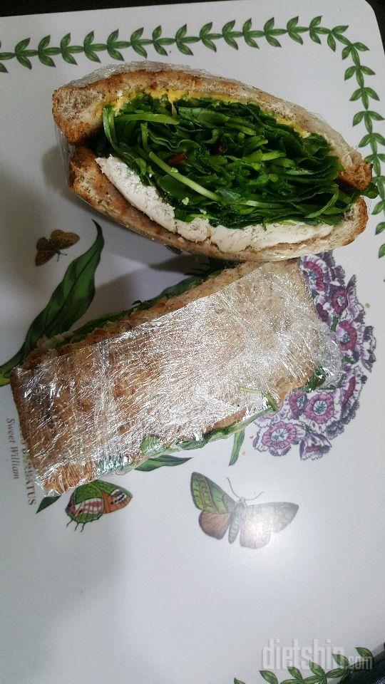 어린잎로만밀 샌드위치