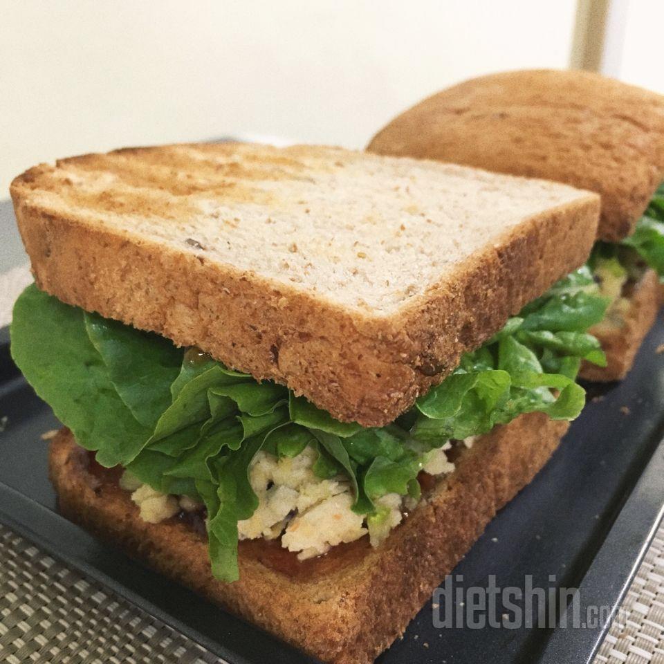상추 샌드위치 !