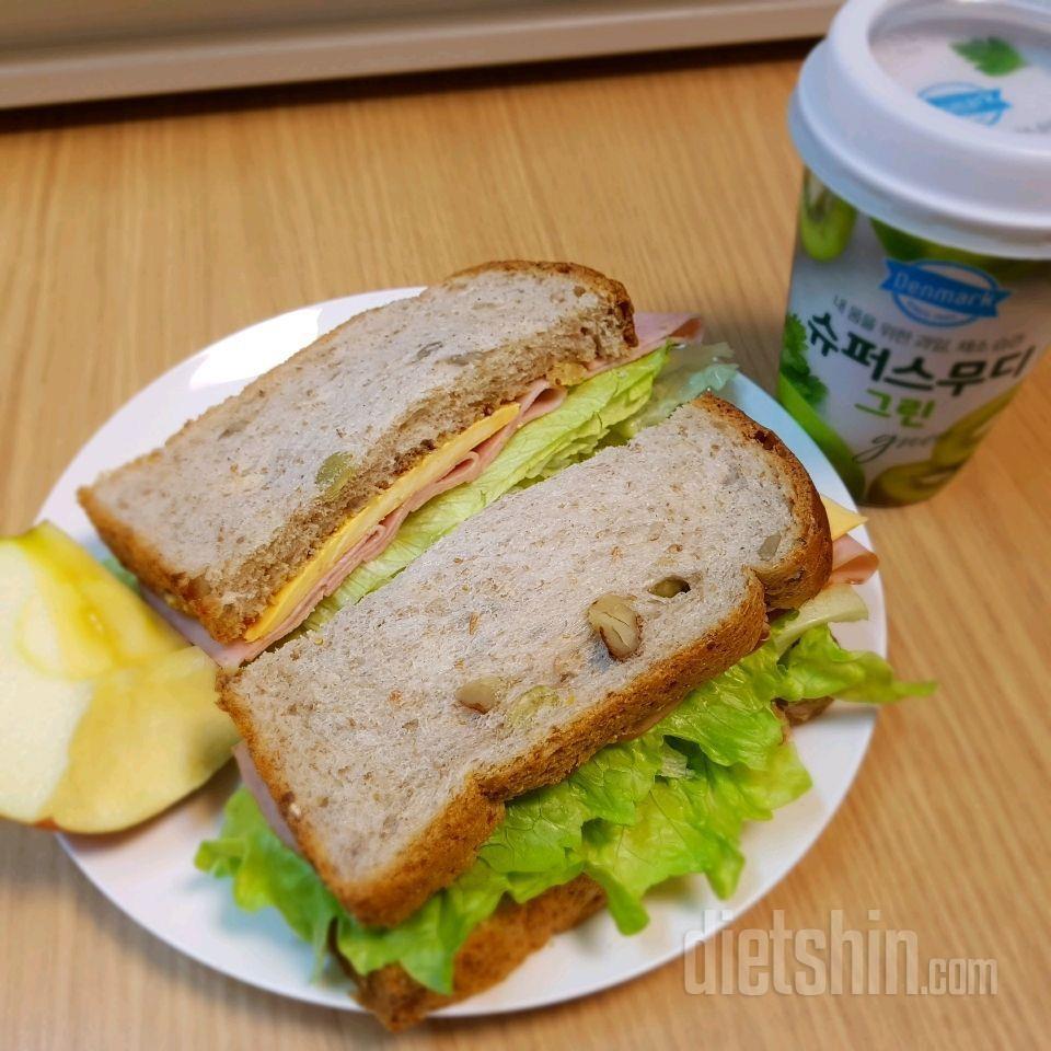 속이 가벼운 샌드위치