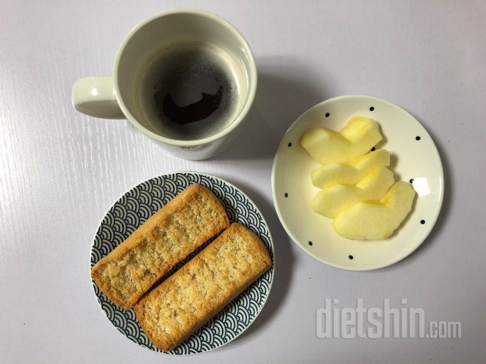 아침에 보이차와 간편히 먹은 그릴레틴