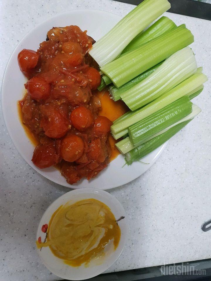토마토 닭가슴살 샐러리