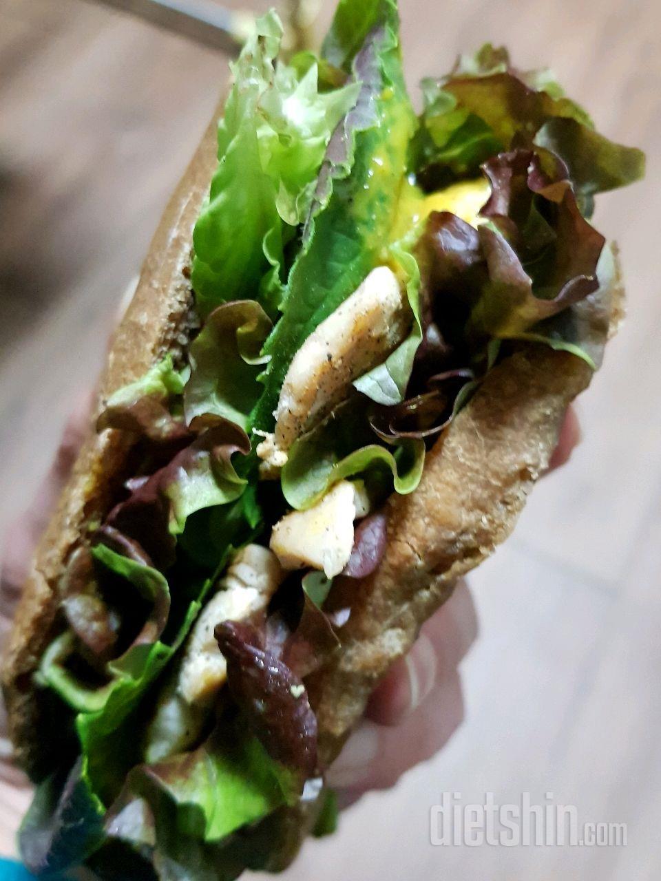🍔저녁.모카 치아바타 닭가슴살 샌드위치♡