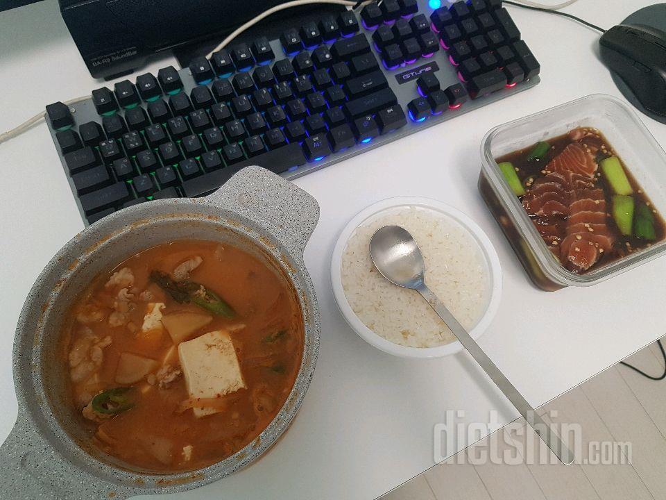 19.5.19 식단(점심 일반식 청국장찌개/저녁 샐러드)