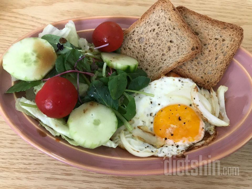 미주라토스트+계란반숙+샐러드조합=꾸르맛