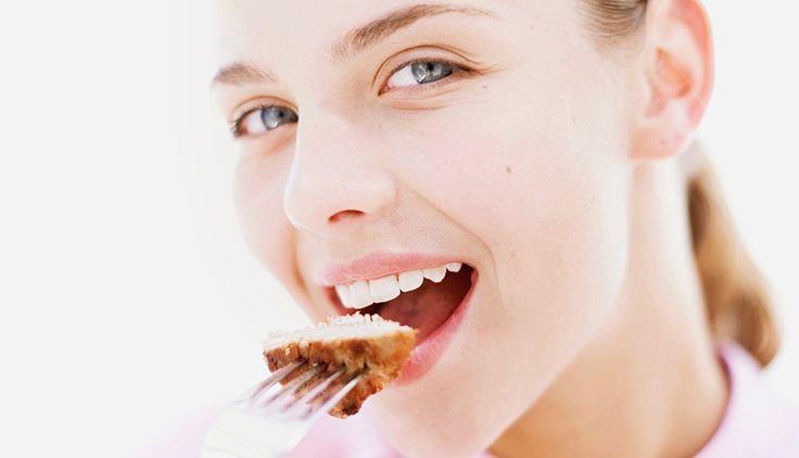 잘못된 다이어트 방법 `씹고 뱉기`