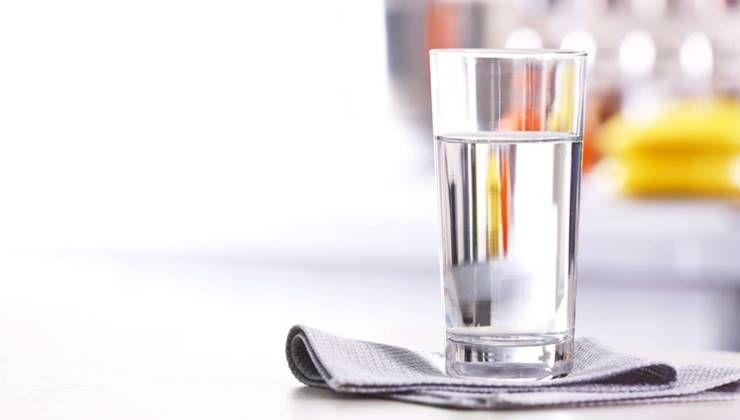 다이어트할 때 물 마시는 게 도움될까?