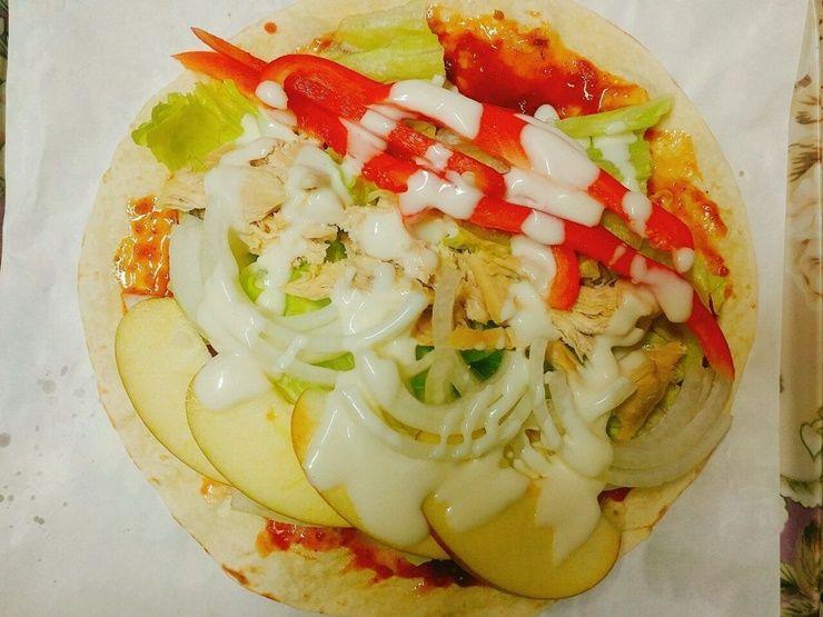 야채와 사과, 닭가슴살의 환상 조화, 또띠아롤!