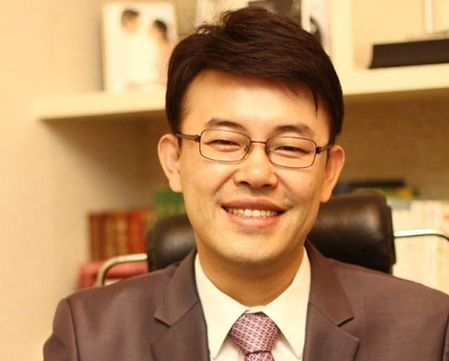 [인터뷰] `도전! 다이어트신 4기` 주치의 지수한의원, 김경호 원장님