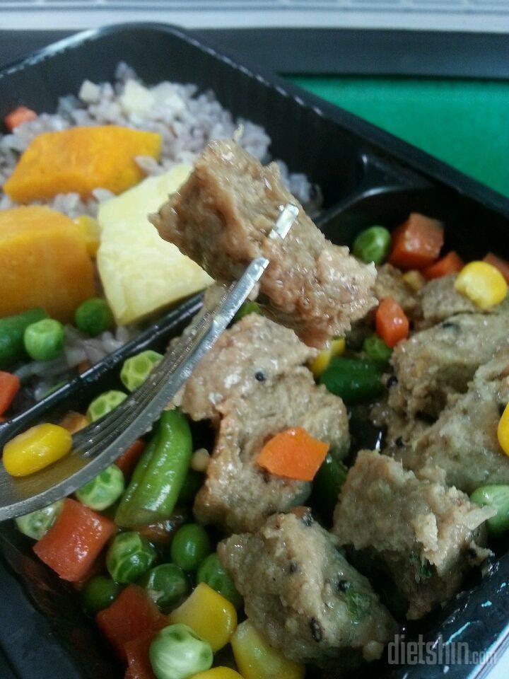 연근영양밥과 씨앗담은 스테이크