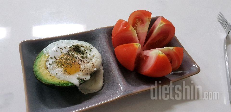 아보카도 달걀구이:)