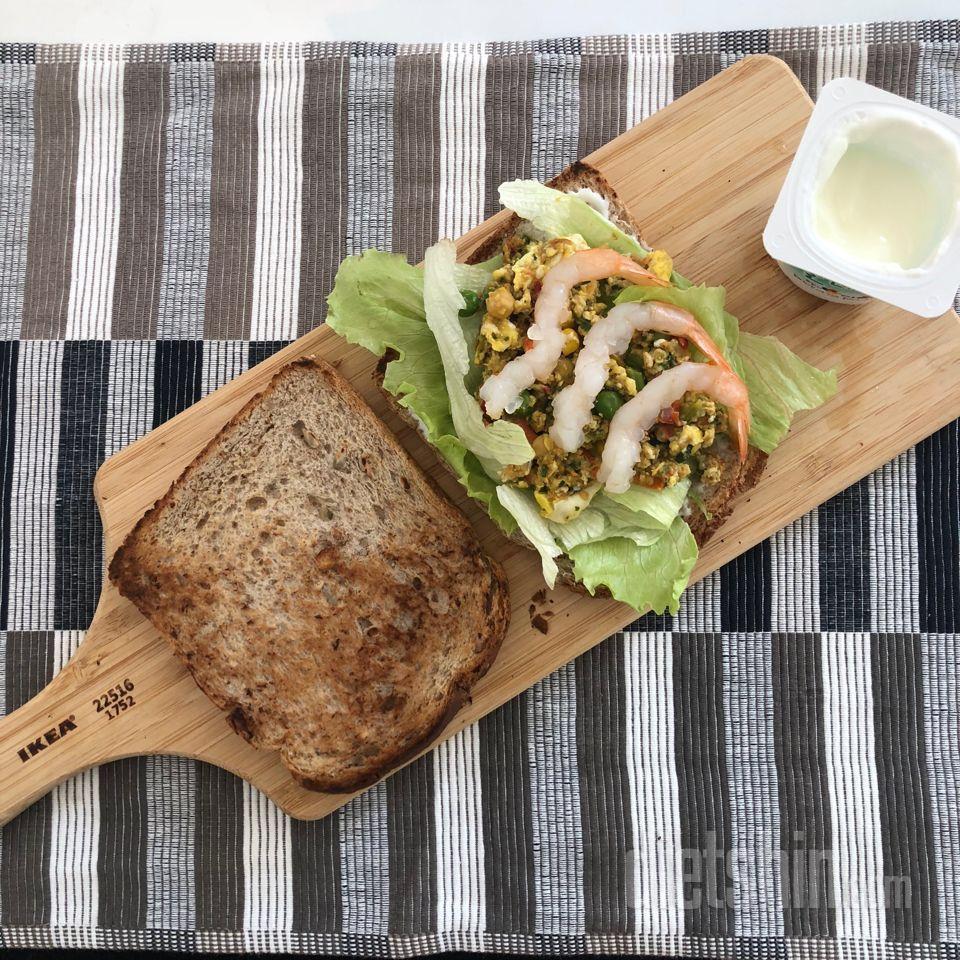 통밀빵 샌드위치 (+베지볼, 새우)