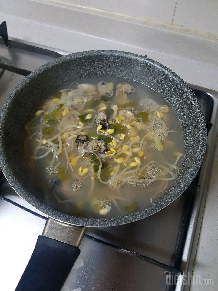 초간단100칼로리대 콩.곤.국(콩나물 실곤약 국수)