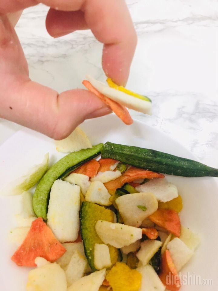 여섯번째 (▰˘◡˘▰)담채8미혼합야채칩으로 하루든든하게!