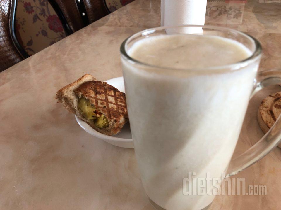 바나나양배추 우유 고구마토스트