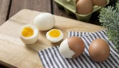 다이어트할 때 삶은 달걀 노른자, 먹어도 될까?!