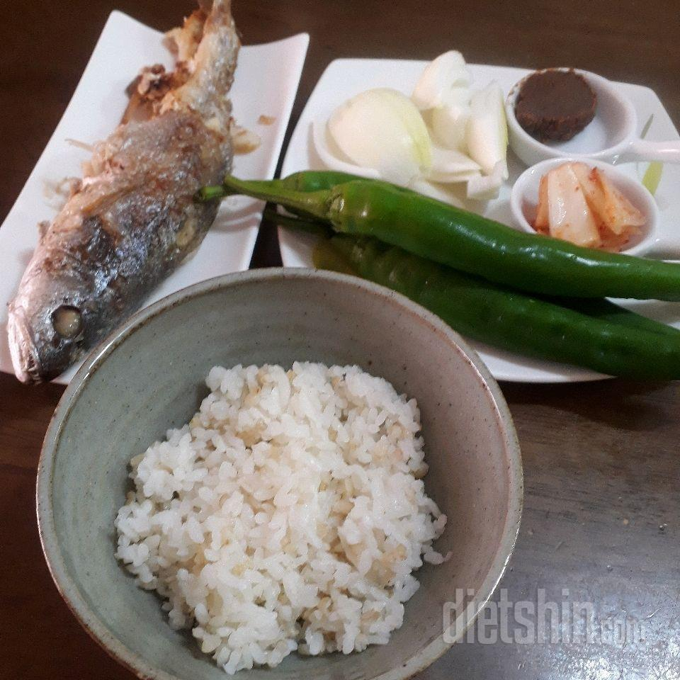 점심~좋아하는 조기한마리 통째로~