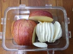 아점으로 먹은 사과+모짜렐라치즈 (240kcal)
