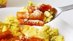 다이어트 중 매운맛 당길 때, 매운 치즈 떡볶이 스크램블을!