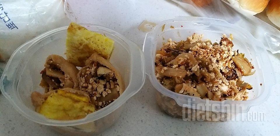 두부김치 볶음밥& 두부김추유부초밥