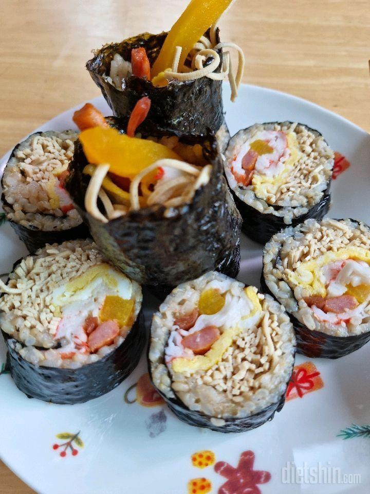 두부면으로 김밥을 싸요😊