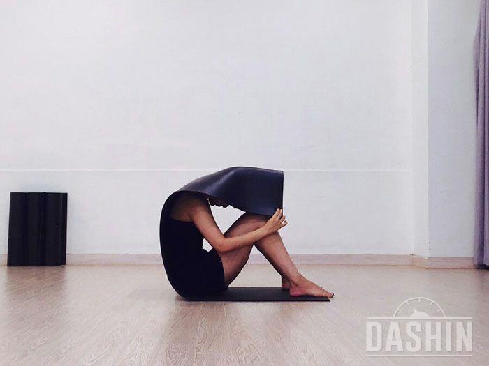 복근 강화시키는 매트 운동