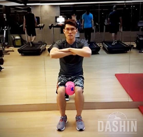 무릎 튼튼해지는 운동 BEST 4
