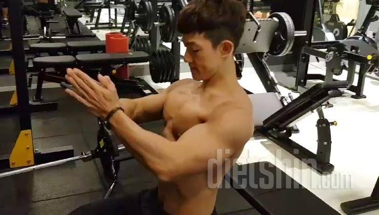 몸짱의 정석! 탄탄한 가슴근육 만들기!